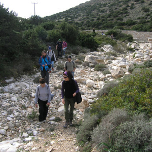 Crossing the dry river bed of Xiropotamos at Marathi