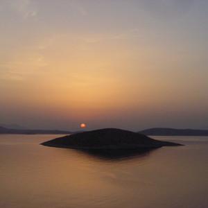 Daybreak over Venetiko & Schinoussa, from Livadi, Iraklia